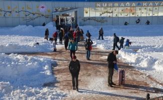 Uludağ'da fırtınadan sonra açan güneş tatilcileri sevindirdi