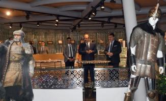Vali Canbolat'tan Fetih Müzesi'ne ziyaret
