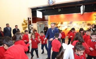 Başkan Aktaş'la müzede geometri dersi