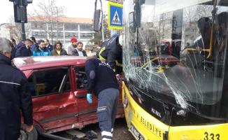 Bursa'da can pazarı...Yolcu otobüsüyle kafa kafaya çarpıştı
