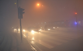 İnegöl'de sis kabusu, görüş mesafesi sıfıra düştü!