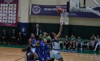 Türkiye Kadınlar Basketbol Ligi: Bursa Büyükşehir Belediyespor: 67 - A Koleji: 45
