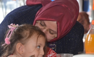 Bakan Selçuk, Bursa'da şehit aileleriyle bir araya geldi