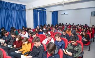 Başkan Özkan öğrencilerden kitap okuma sözü aldı