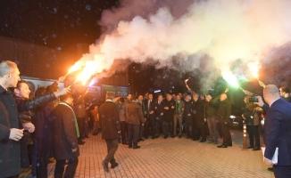 Dündar'ın ilk seçim bürosu görkemli bir törenle açıldı