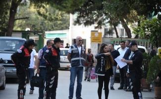 Okul önlerinde 18 bin kişi sorgulandı