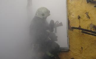 Yangına uykuda yakalandılar, komşuları kurtardı