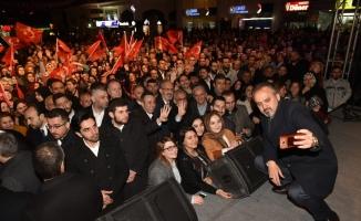 Alinur Aktaş'tan Yıldırım ve İnegöl'de gövde gösterisi