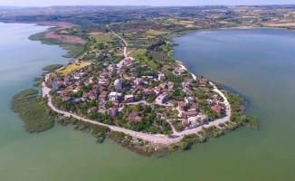 Avrupa Leylek Köyü Eskikarağaç turist akınına uğruyor
