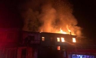 Aynı saatlerde iki farklı mahallede yangın