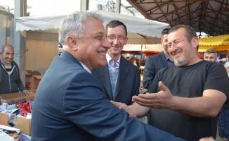 Özbek'e anlamlı hediye