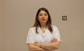 """Dr. Ayşenur Cetişli: """"Sağlıklı cildin en önemli kuralı dengeli nem oranıdır"""""""