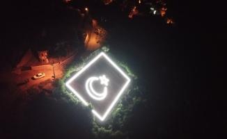 Gemlik'te dev Türk bayrağı yeniden ışıl ışıl