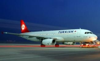 İstanbul'da fırtına sebebiyle 3 uçak Yenişehir Havalimanı'na mecburi iniş yaptı