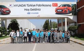 Tekfenli öğrenciler Hyundai Assan fabrikasında