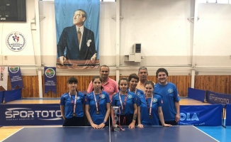 Bursa Kadın Masa Tenisi takımı Türkiye üçüncüsü oldu