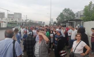 Bursa'da metroya yıldırım düştü
