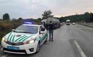 Bursa'da tıra ardadan belediye otobüsü çarptı: 1 yaralı