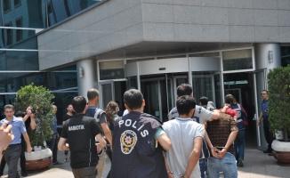 """""""Çekirge"""" operasyonuna 35 tutuklama"""