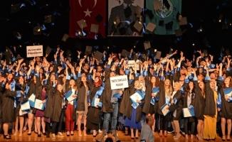 Teknik Bilimler öğrencileri diplomalarını aldı