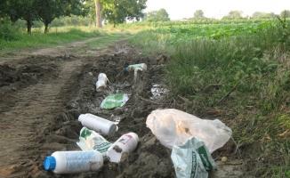 Zirai ilaç atıkları doğayı kirletiyor