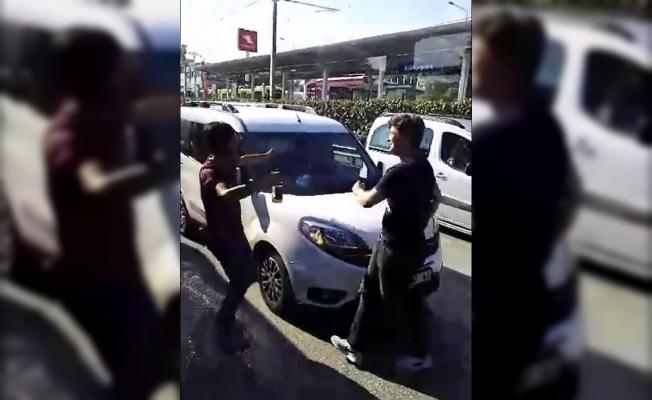 Bursa'da yol kapatıp oyun havası oynayan magandalara ceza yağdı