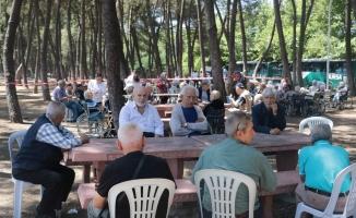 İznik Gölü kıyısında huzur buluşması