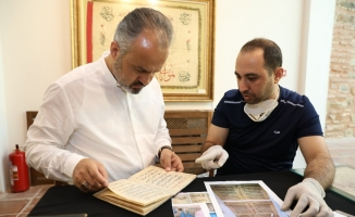 Müzelik el yazmalarına yoğun bakım tedavisi