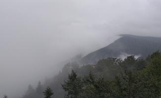 Temmuz ayında Uludağ'a çıkanlar kışı yaşadı