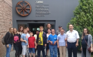 Bizim Ev katılımcıları Anadolu Arabaları Müzesi'ni gezdi