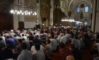 Vatandaşlar tarihi camilere akın etti