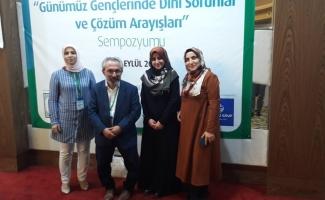 Adana'da gençlerin dini sorunları ve çözüm arayışları tartışıldı
