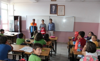 AFAD, okullarda afet çantasını tanıttı