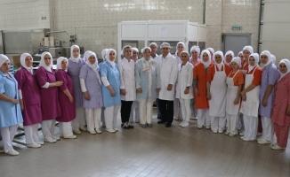 AK Parti'li Gözgeç'ten, Kardelen kestane şekerine ziyaret
