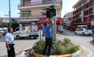 Akçakoca'da zarar gören tabelalar yenilendi