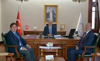 Başkan Bozkurt Vali Tutulmaz'ı makamında ziyaret etti