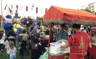 Beykoz'da binlerce kişi Serebral Palsi hastalığına dikkat çekmek için gökyüzüne ışık tuttu