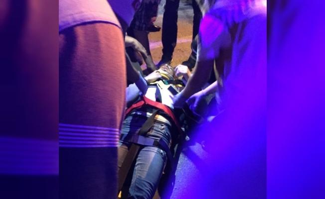 Bisikletiyle takla atan genç yaralandı