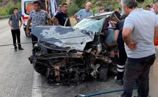 Burdur'da iki otomobil kafa kafaya çarpıştı: 1 ölü, 5 yaralı