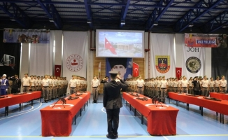 Bursa'da 24. dönem bedelli askerler yemin edip terhis oldu