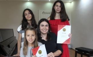 Bursalı öğrenciler Piyano Yarışması'nda Viyana'da birinci oldu