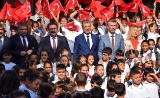 Edremit'te İlköğretim Haftası kutlandı