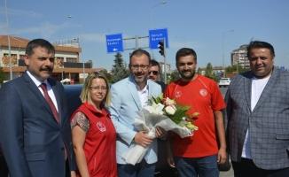 Gençlik ve Spor Bakanı Kasapoğlu Sungurlu'da