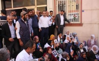 HDP önünde eylem yapan ailelere 15 Temmuz Milli İrade Ocakları'ndan destek