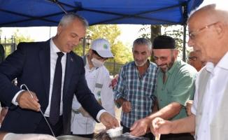 Hendek Belediyesi'nden 9 bin kişilik aşure ikramı