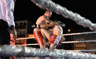 İnegöl'de Kick-Boks gecesi düzenlendi