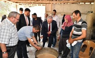 Isparta Yakaören'de geleneksel aşure günü