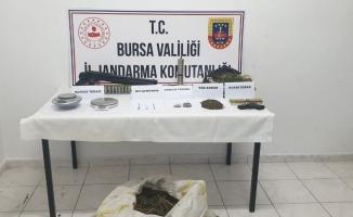 Jandarma ekiplerinden uyuşturucu baskını