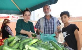 Kızıltepe'de kadın pazarcıların ekmek mücadelesi takdir topluyor