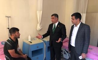 Milletvekili Erol, terör saldırısında yaralananları hastanede ziyaret etti